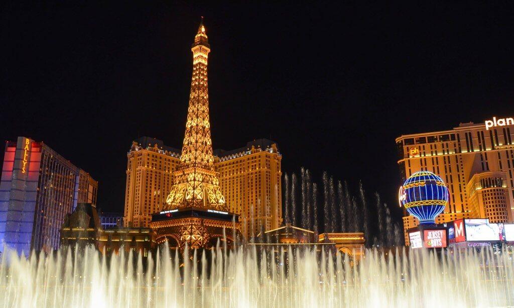 Paris Las Vegas by night