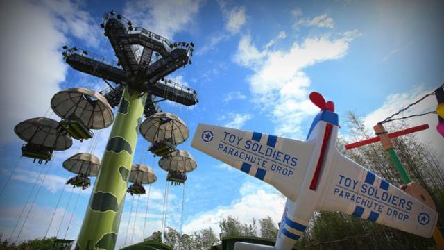 Toy Soldiers parachute drop disneyland paris
