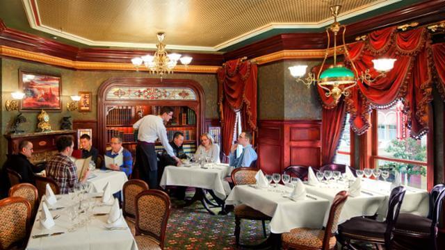 Walt restaurant disneyland paris