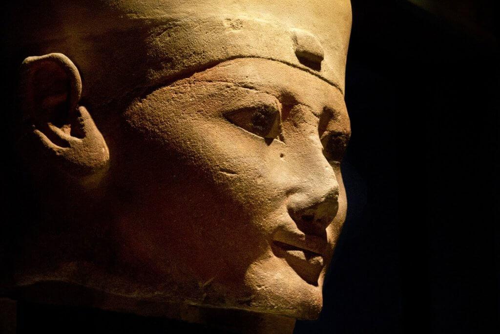 Statua egizia Torino